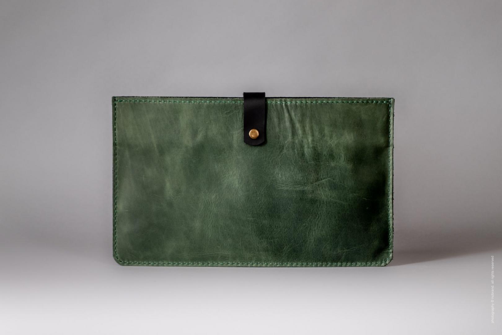 green macbook air case